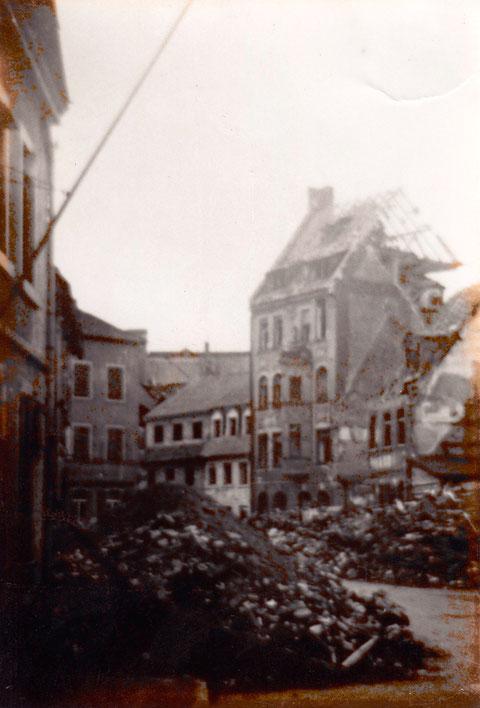 Der zerstörte Fischerrain nach den Bombenangriffen (Dittmar)