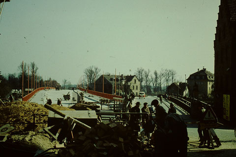 Neue und alte Maxbrücke - Ende 1959