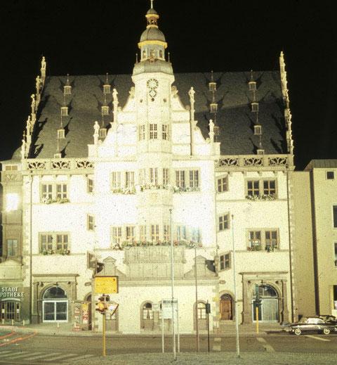 Das Rathaus Anfang der 1960er vom Marktplatz aus gesehen