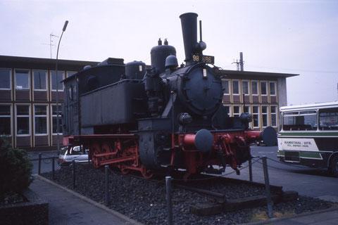Juni 1989 - Die 98886 - vor dem Hauptbahnhof Foto: Franz Schwalb