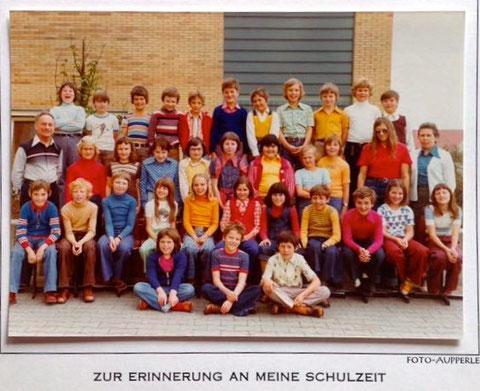 Herr Jelitto, 4. Klasse 1974, Gartenstadt Schule. Danke an Ingrid Doxtader
