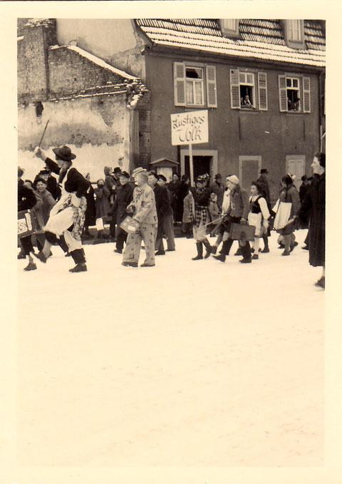 Faschingsumzug in den 1950ern Am Jägersbrunnen