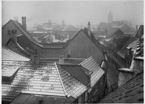 Luftaufnahme auf Kirchgasse mit schneebedeckten Dächern Dezember 1930 - danke an Robert Zänglein