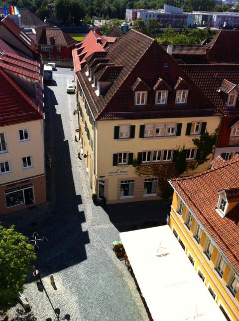 Blick von der Rathausterrasse in die Metzgergasse