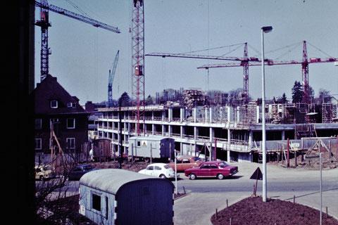 13.04.1975 - Baustelle Leopoldina-Krankenhaus - Danke an Christel Feyh - Foto Helmut Feyh