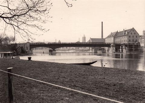 1930 - Maxbrücke, die am Ende des Krieges zerstört wurde