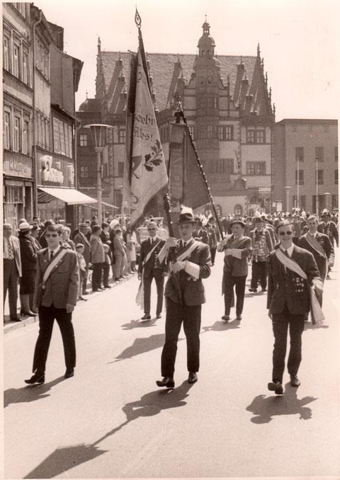 Schützen marschieren auf.... Anfang der 1960er - Danke an Willi Memmel
