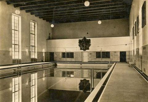 Die Schwimmhalle nach der Eröffnung