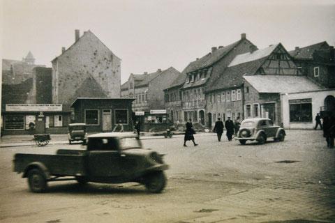 Blick vom Albrecht-Dürer-Platz in die Siebenbrückleinsgasse - vermutlich Ende der 1940er