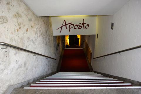 """Der Gang hinunter in den Rathauskeller - hier befindet sich heute das Restaurant """"Aposto"""""""