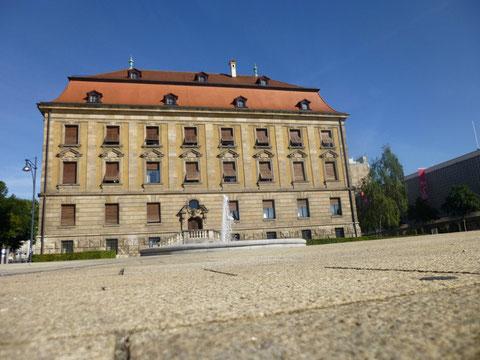 Justizgebäude am Schillerplatz