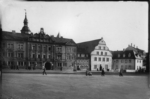 Roßmarkt mit Bauschhaus und Sparkasse ca.1937