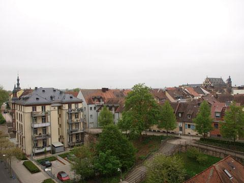 """Blick vom """"Zementrum"""" (Einkaufszentrum am Marienbach) auf die Altstadt"""