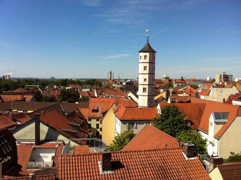 Blick von der Rathausterrasse auf den Schrotturm und die westliche Innenstadt