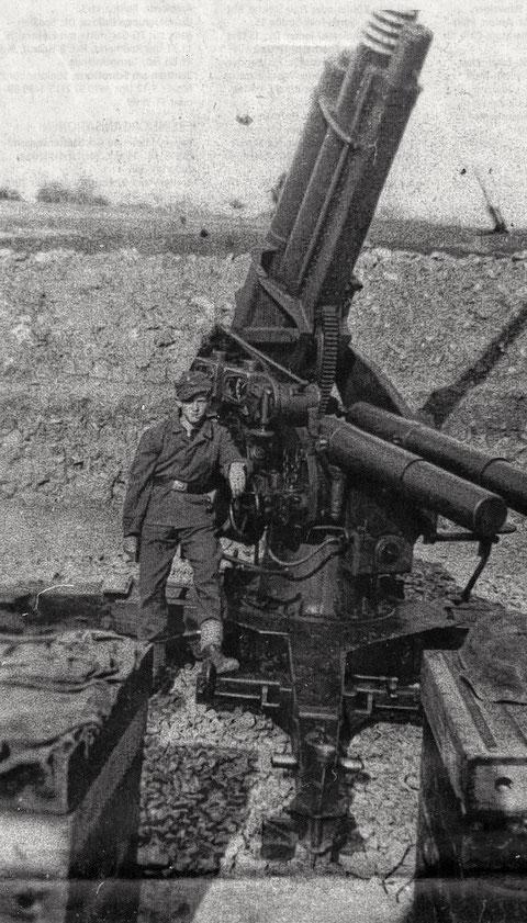 Am 8,8-Geschütz Achim Schürer