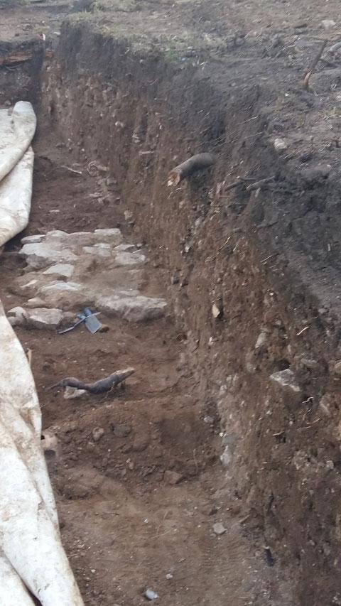 Das gefundene Fundament der zweiten dort befindlichen Kilianskirche