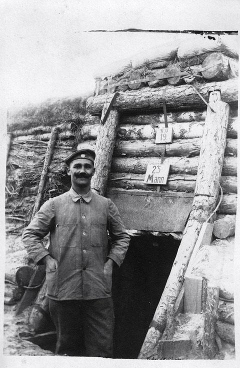 Schweinfurter Bat. in Stellung in Russland am Kampf-Unterstand