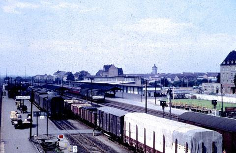 Da gab's das neue Postgebäude am Bahnhofsplatz noch nicht..