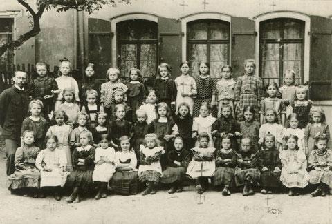 Jahrgang 1904 mit Betty Heck, geb. 12.07.1904, Schule unbekannt