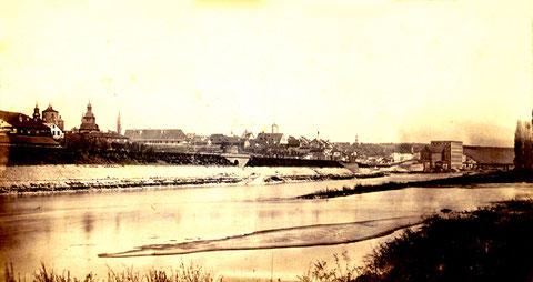 Blick über den Main vor 1870 - deutlich erkennbar das Spitaltor, der Basteiturm und die frühere Spitalkirche - bitte durch Anklicken vergrößern!!!