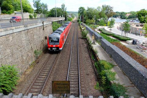 Die Eisenbahnlinie zwischen Zürch und Bastei im August 2013