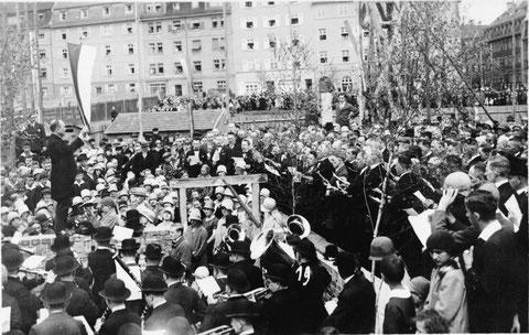 1930 - Im Hintergrund Bäckerei Nagel Steinstraße 18