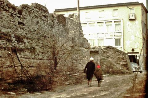 Hinter der Stadtmauer an der Rüfferstraße  1964 Danke an Fam. Feyh