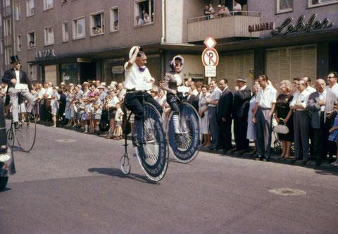 3. Juli 1960 - Auto-Ralley in der Luitpoldstraße