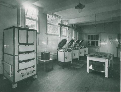 Gasanlage in der Volksküche 1937