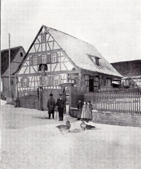 Haus Nr. 36 - Fachwerkhaus mit Vorhalle längs der Hofseite (Aufnahme 1910)