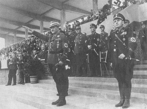1936 - Einweihung des Willy-Sachs-Stadions - rechts Willy Sachs, Mitte Franz Ritter von Epp