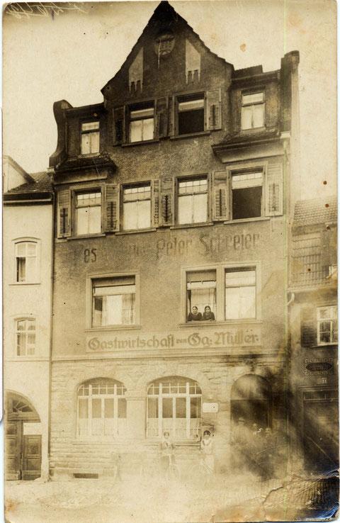 ca. 1926/27 - damals Gaststätte georg Müller, zu sehen auch die Inschrift Peter Schreier - danke an Wilhelm Buhlheller
