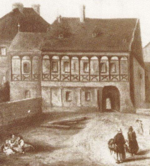 Nach Zerstörung des Rathauses wurde vorübergehend der Zwinger als Rathaus genutzt bis zur Fertigstellung des heute noch genutzten Rathauses (Ausschnitt aus Gemälde, Städt. Museum)