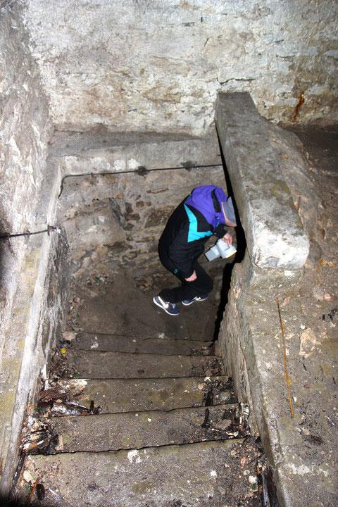 Die Treppe in das zweite Untergeschoss