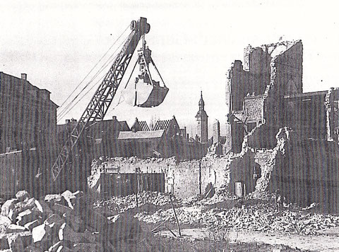 Wiederaufbau am Albrecht-Dürer-Platz