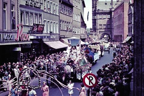 1960 mit Märchenumzug zur Volksfesteröffnung