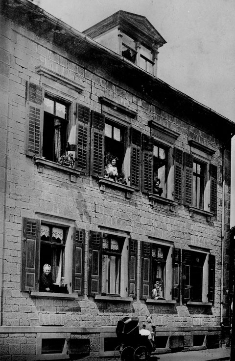 Roßbrunnstraße 8 um 1906 (Unter dem Roßbrunn 8) Fam. Hegeling
