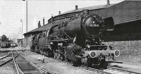 Das Foto zeigt eine Dampflokomotive der 50er - Serie in Schweinfurt. Dieser Typ war die letzte Dampflok, die in Schweinfurt zum Einsatz kam