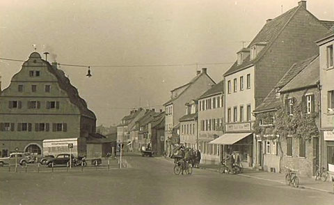 Zeughaus mit Bauerngasse, rechts Café Wien, ca. 1953