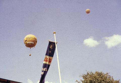7. Juni 1959 - Gasballons im Himmel