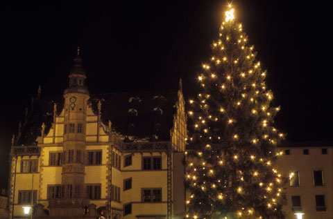 Dezember 1965 - Rathaus mit Weihnachtsbaum