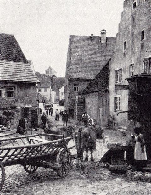 Straßenszene im alten Wipfeld um 1910