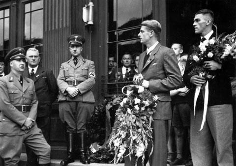 1937 - Ehrung