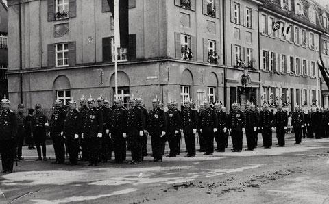 Die Schweinfurter Schutzpolizei am 1. Mai 1933