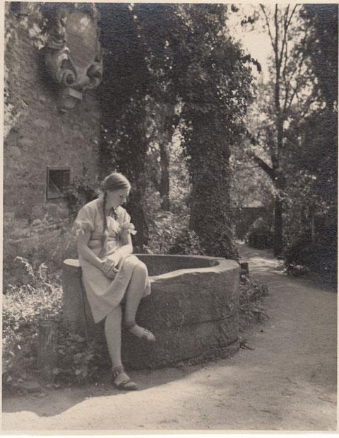 September 1934 am Brunnen im Alten Friedhof - Danke an Robert Zänglein