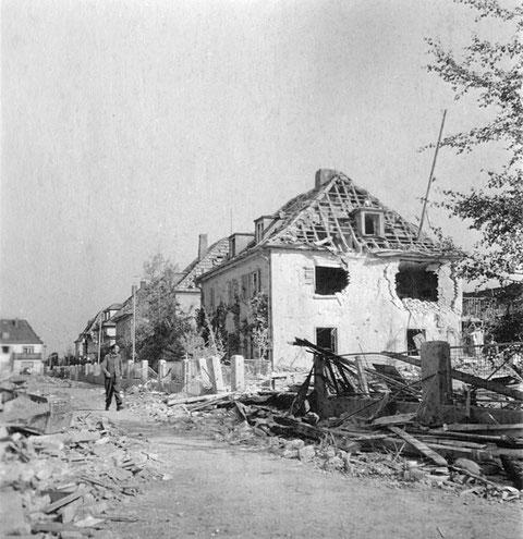Zerstörte Häuser ab Nr. 2 in der Bayernstraße (damals Ludendorffstraße) - 1943 - Danke an Holger Meyer