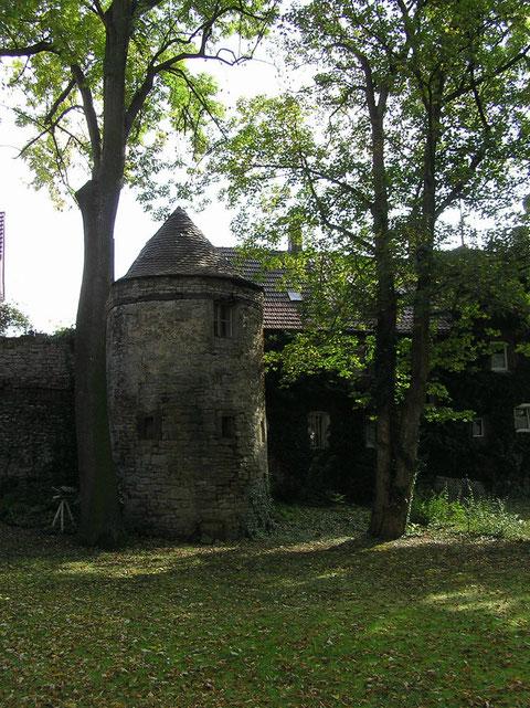 Stadtmauer mit Turm an der Neuen Gasse