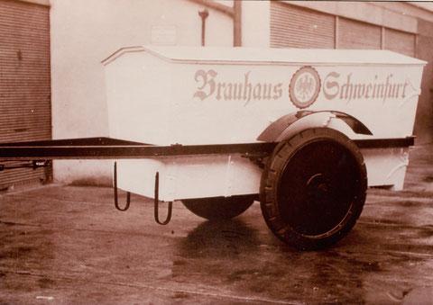 1935 - Eisenanhänger für LKW; 2,5 to Nutzlast, ohne Auflaufbremse; Kosten 1.200.- Reichsmark; Hersteller: Fahrzeug Fischer Schweinfurt Hadergasse 10,