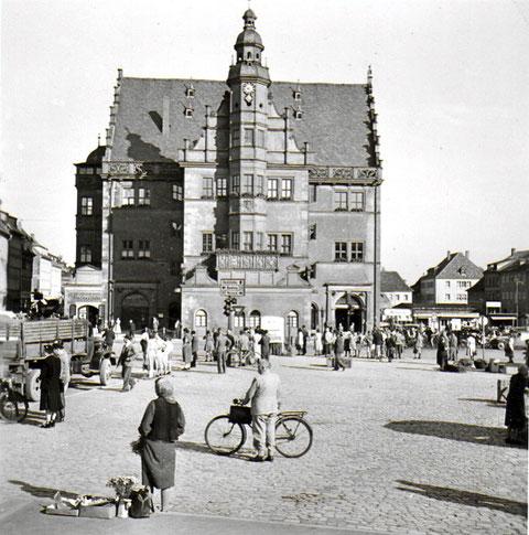 Marktplatz mit Rathaus 1952 - Danke an Klaus Best