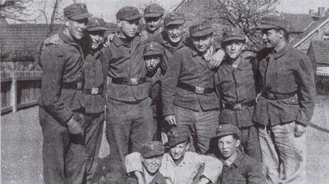 Die 5. Klasse des Realgymnasiums Würzburg wurde zur Flakhilfe in Schweinfurt herangezogen.
